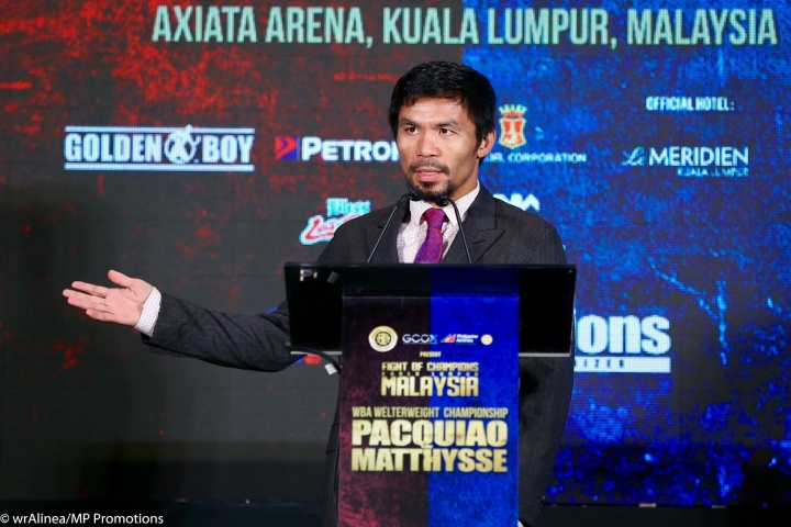 Pacquiao KOs Matthysse to win WBA title