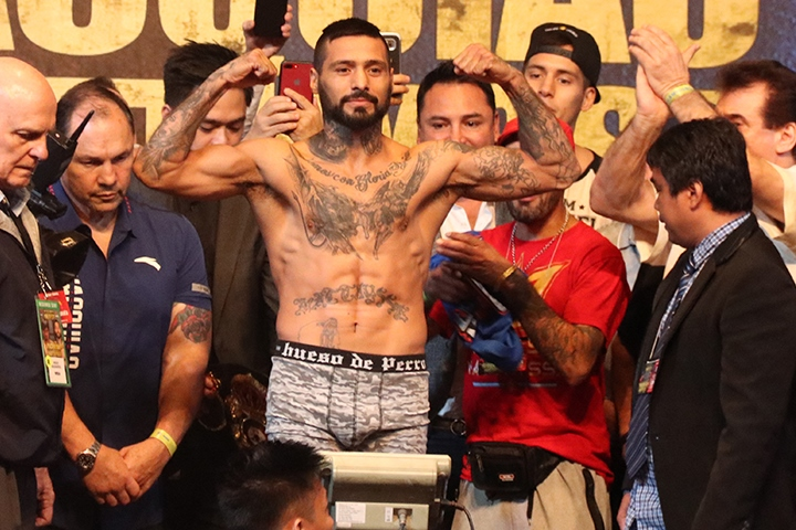 pacquiao-matthysse-weights (4)