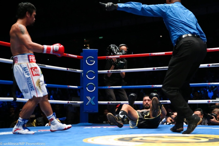 Pacquiao knocks down Matthysse to claim welterweight crown