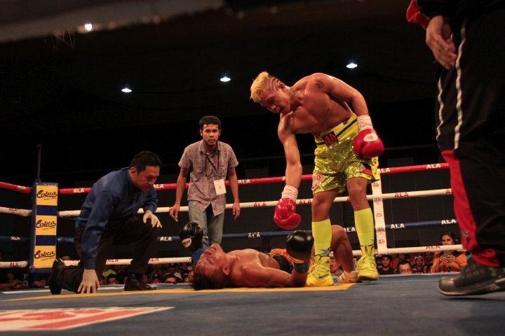 Magsayo retains WBO International crown in dominant fashion; Santisima thrills