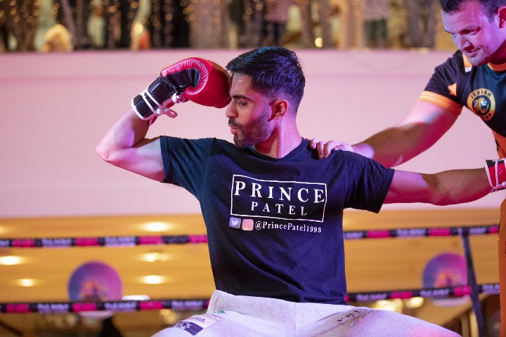 Amir Khan secures fourth round knockout victory over Billy Dib
