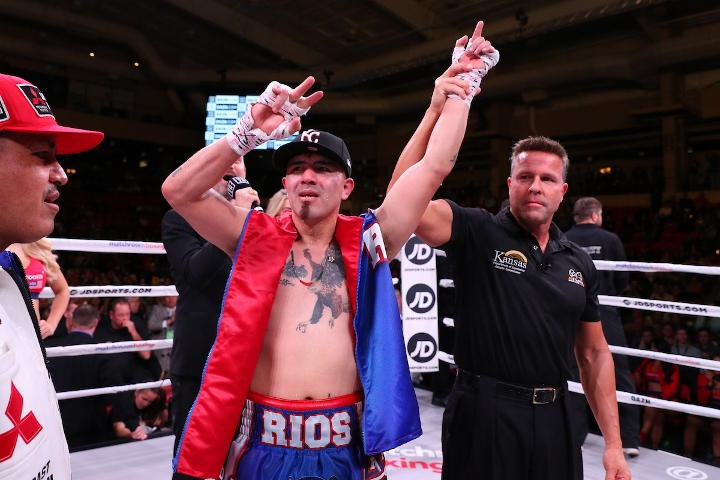 rios-alvarez-fight (29)