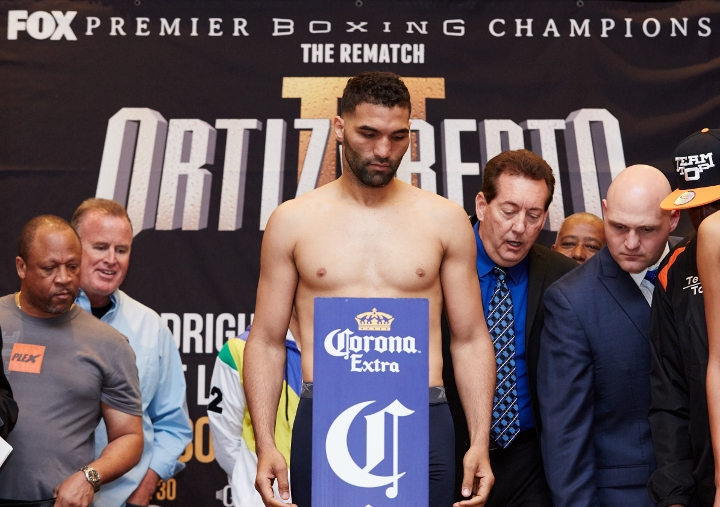 rodriguez-williams-weigh-in (1)