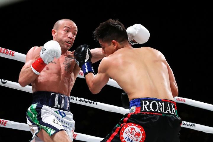 roman-doheny-fight (10)