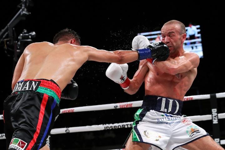 roman-doheny-fight (14)