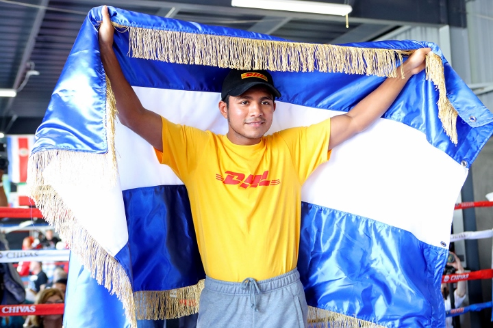 Roman 'Chocolatito' Gonzalez, Srisaket Sor Rungvisai make weight for rematch Saturday