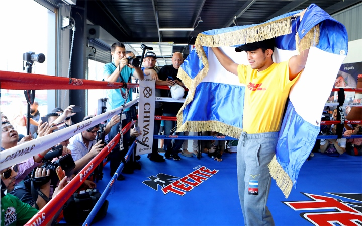 Srisaket Sor Rungivsai Knocks Out