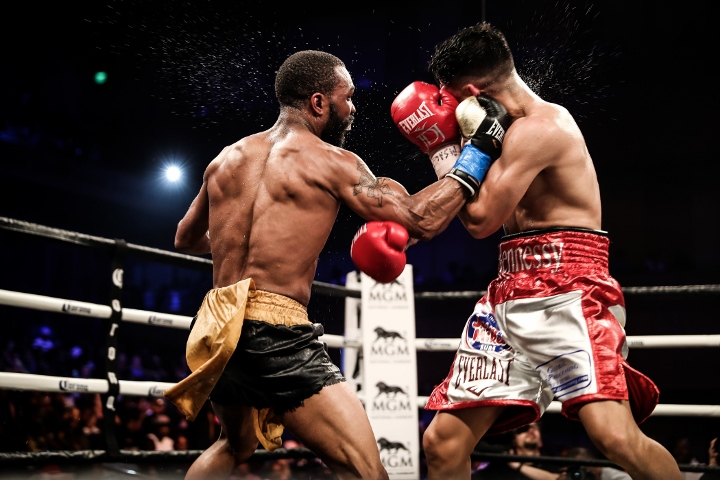 russell-diaz-fight (29)