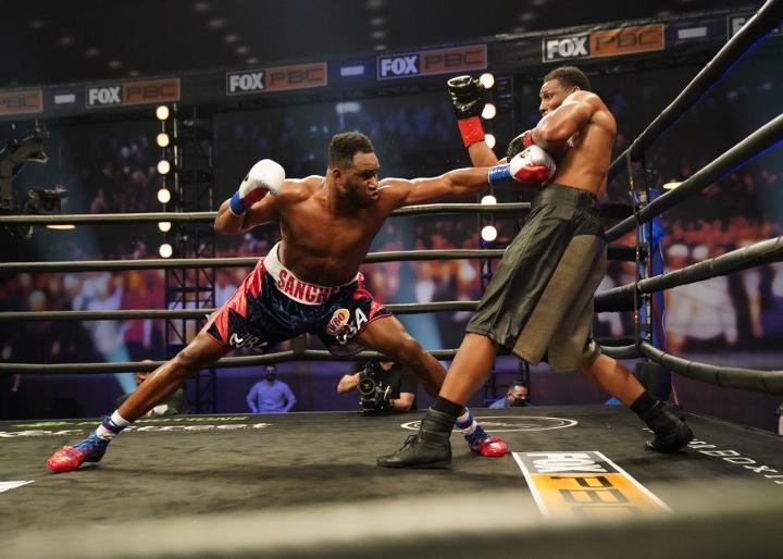 sanchez-howard-fight (11)