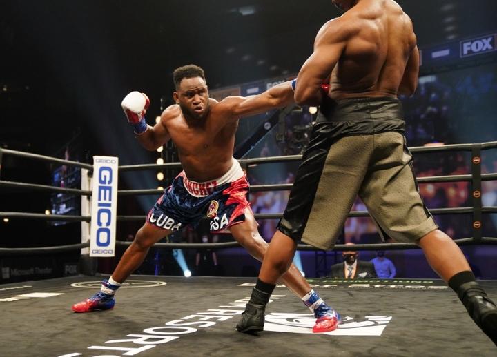 sanchez-howard-fight (7)