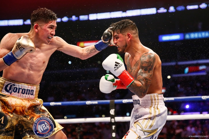 Santa Cruz wins rematch to hold onto WBA featherweight title