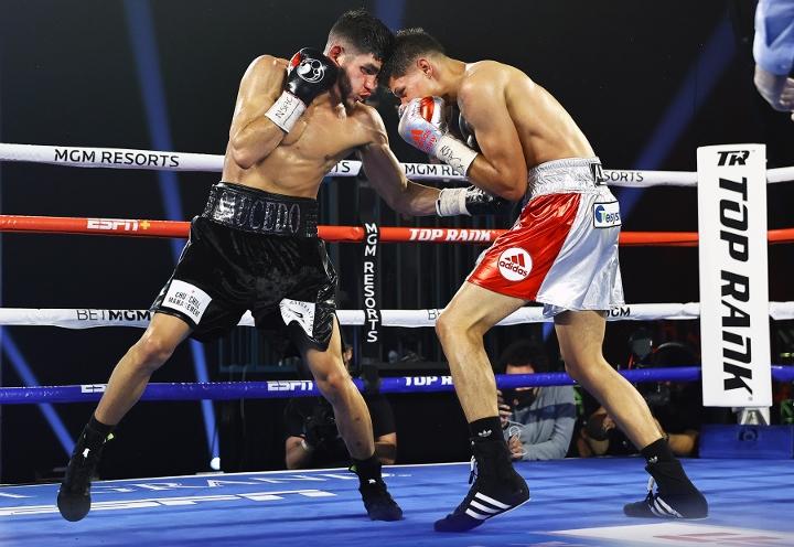 saucedo-fredrickson-fight (2)