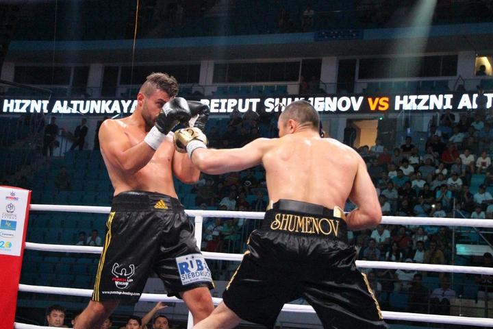 shumenov-altunkaya-fight (3)