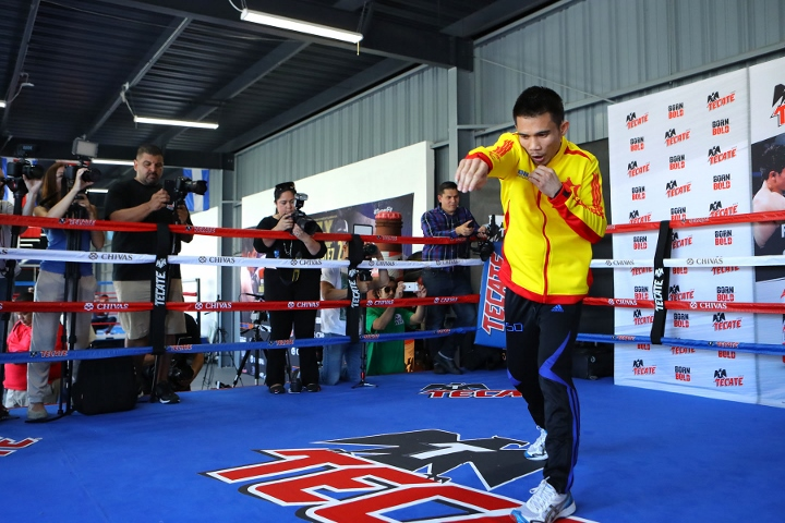 Srisaket KOs Gonzalez in fourth to retain WBC title