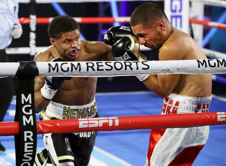 In boxing's return to Las Vegas, Shakur Stevenson cruises past Felix Caraballo