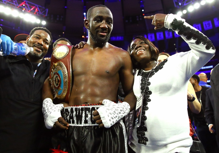 Terence Crawford Starts Slow, Wipes Out Kell Brook in Fourth Round - Boxing  News