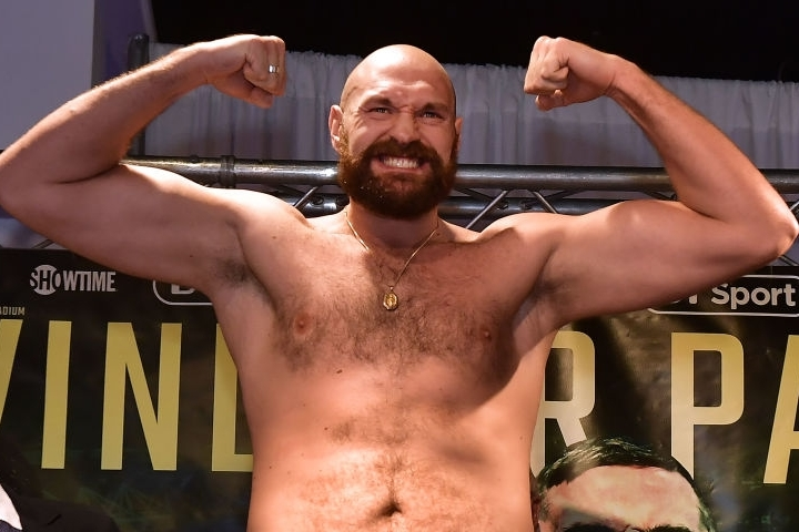 https://photo.boxingscene.com/uploads/tyson-fury%20(2)_5.jpg