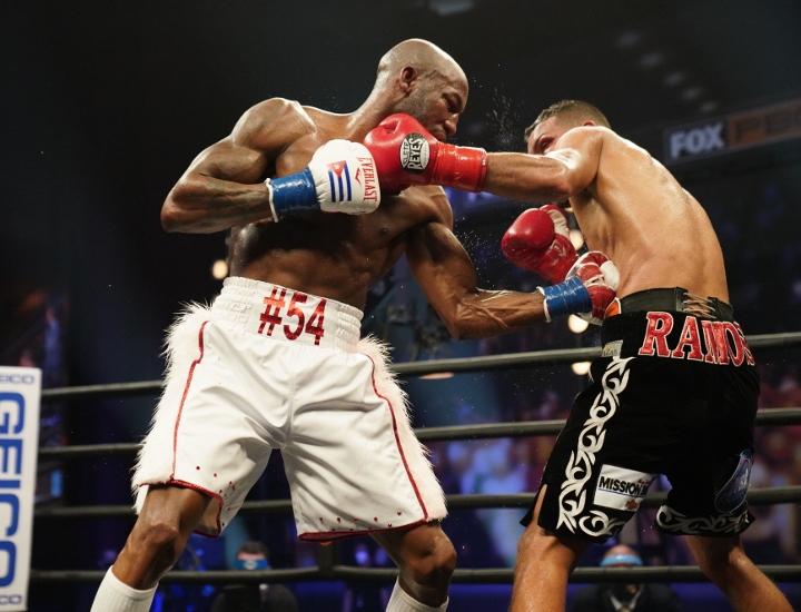 ugas-ramos-fight (33)