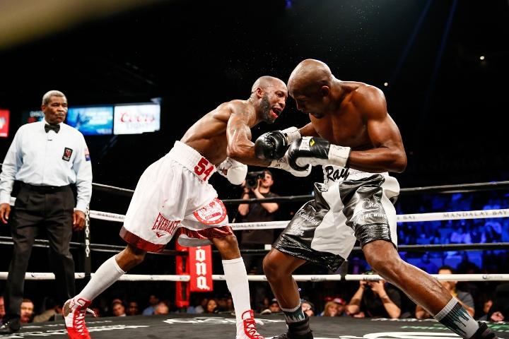 ugas-robinson-fight (13)
