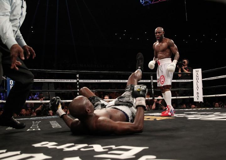 ugas-robinson-fight (18)