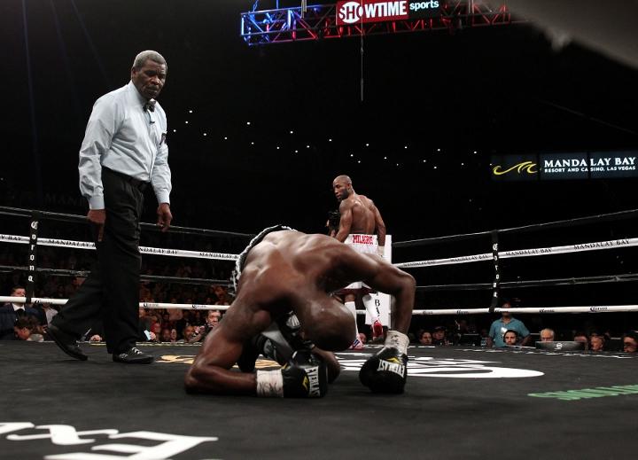 ugas-robinson-fight (19)