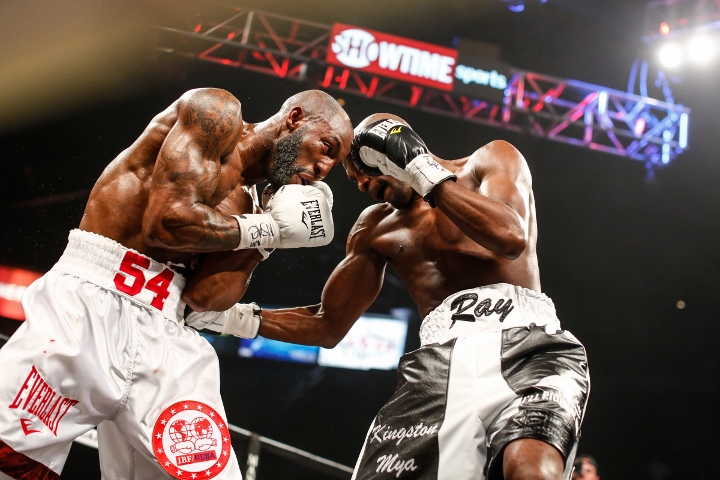 ugas-robinson-fight (7)