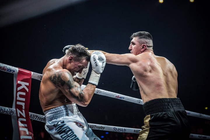 usyk-huck-fight (2)