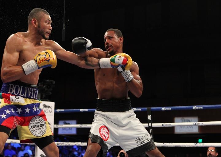uzcategui-dirrell-fight (10)