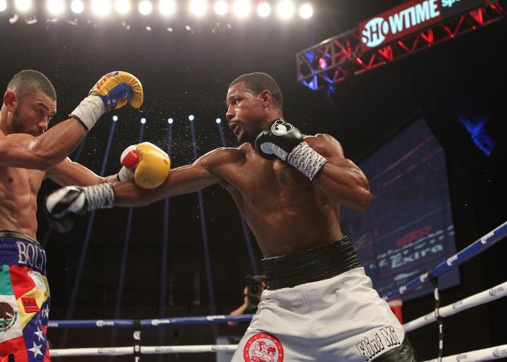 uzcategui-dirrell-fight (11)