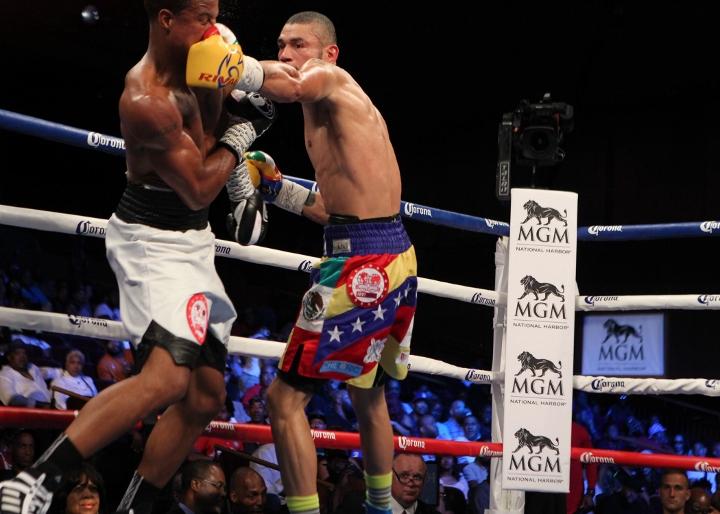 uzcategui-dirrell-fight (20)