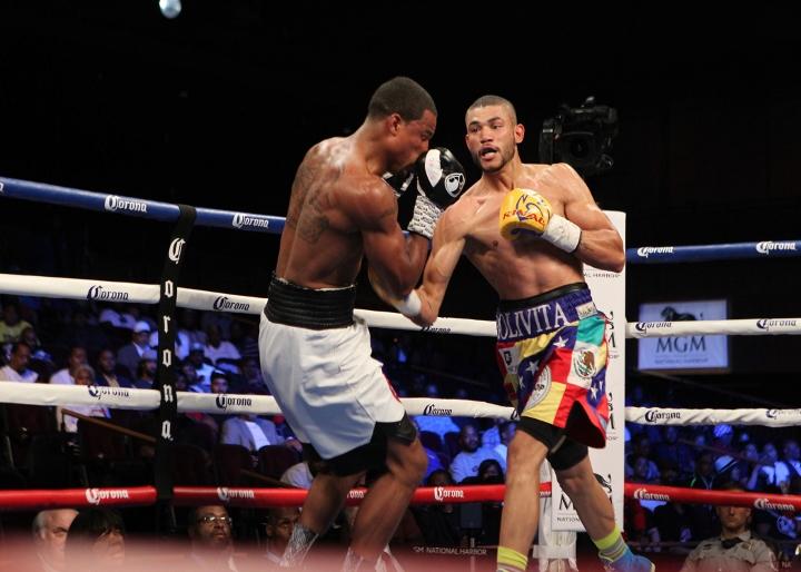 uzcategui-dirrell-fight (9)