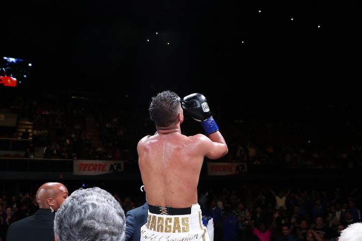 vargas-soto-fight (27)