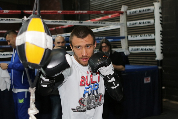 Vasyl Lomachenko forces Nicholas Walters to quit after 7
