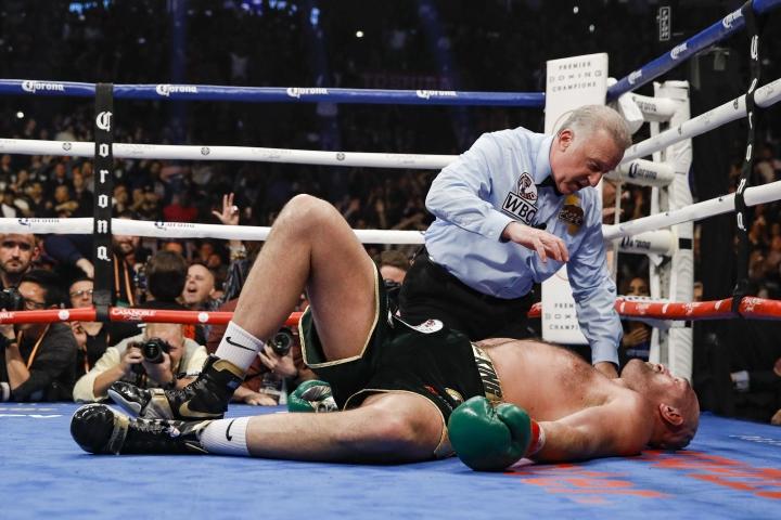https://photo.boxingscene.com/uploads/wilder-fury-fight%20(19).jpg